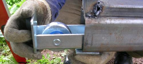 Как изготовить ролики для откатных ворот своими руками